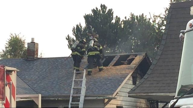Fire burns 3 structures, leaves 18 residents homeless in Yakima