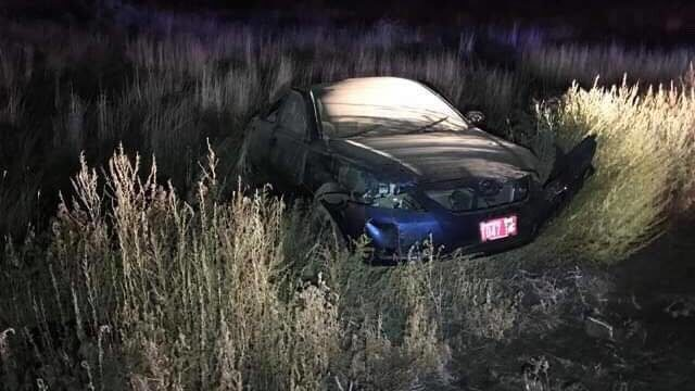 Girl swerves to avoid coyote, crashes in Benton Co.